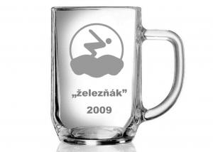 půllitr jako památeční pohár pro absolventy triatlonu