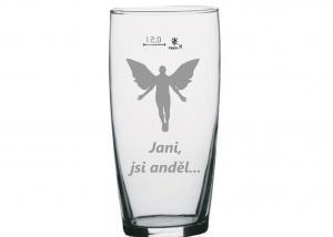 sklenice na pivo bez ucha s vypískovaným andělem a jménem jana