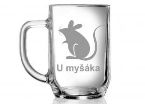 "půllitr s názvem a symbolem hospody ""U myšáka"""