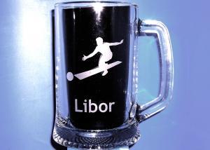 půllitr s motivem bowlingu, kuželek a jménem Libor