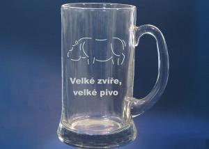 Pivní tuplák - sklenice na pivo s vybroušeným textem a např. hrochem
